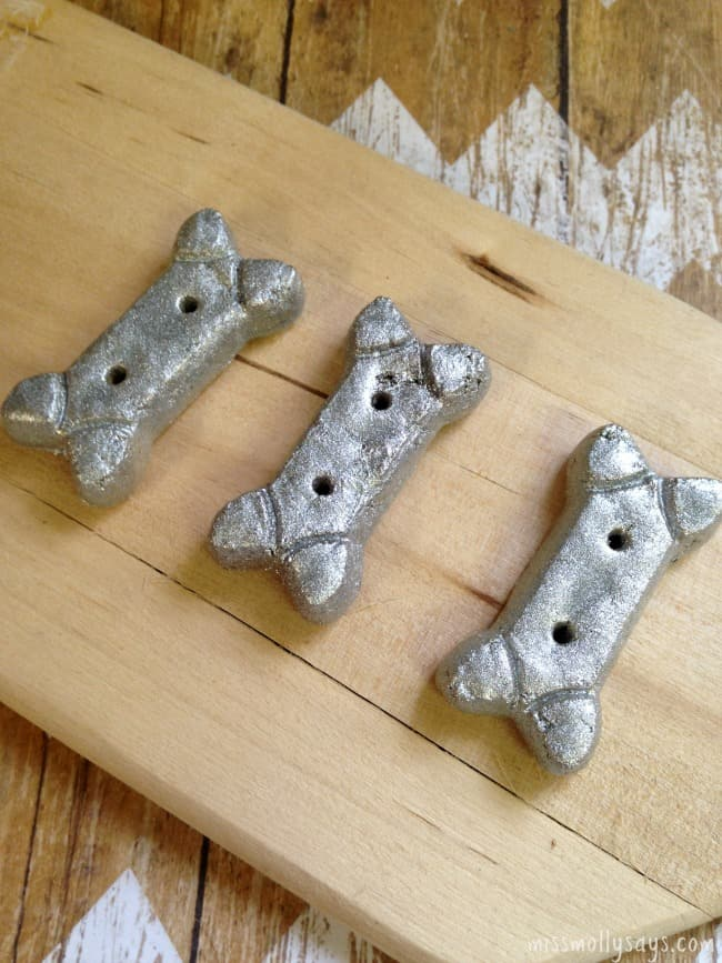 Silver-Dog-Biscuit-Christmas-Tree-Ornament