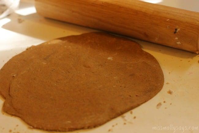 Gingerbread-Dog-Ornaments-process-5