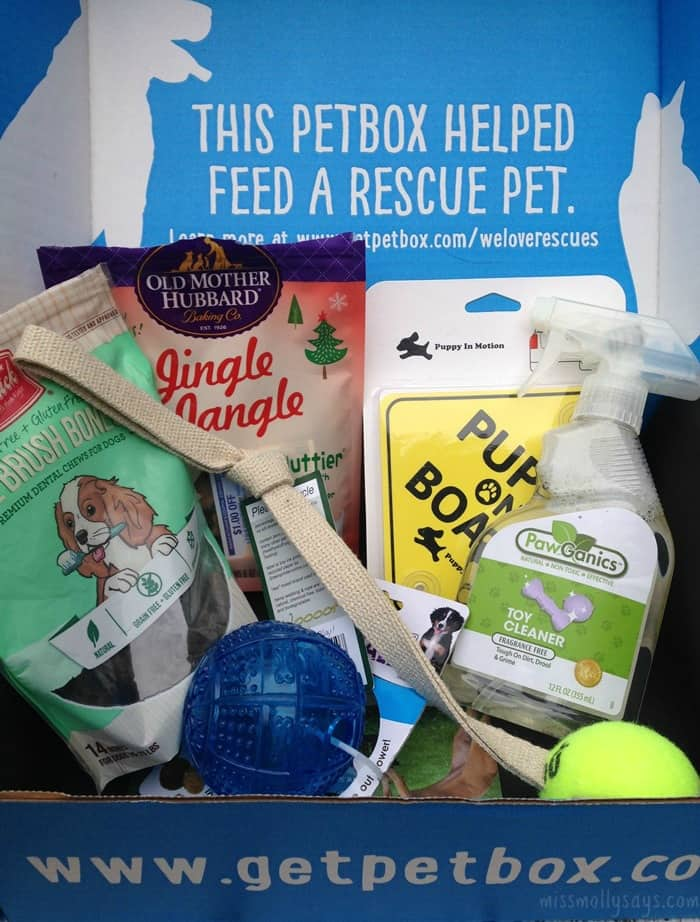 December PetBox Review: Woofalicious Dog Treats, Pawsome Dog Toys & More!