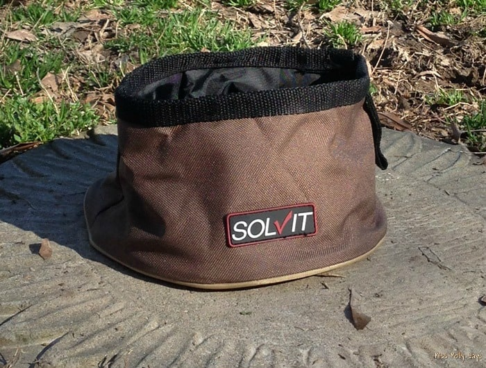 Solvit Collapsible Pet Travel Bowl: Quench Their Thirst On-The-Go!