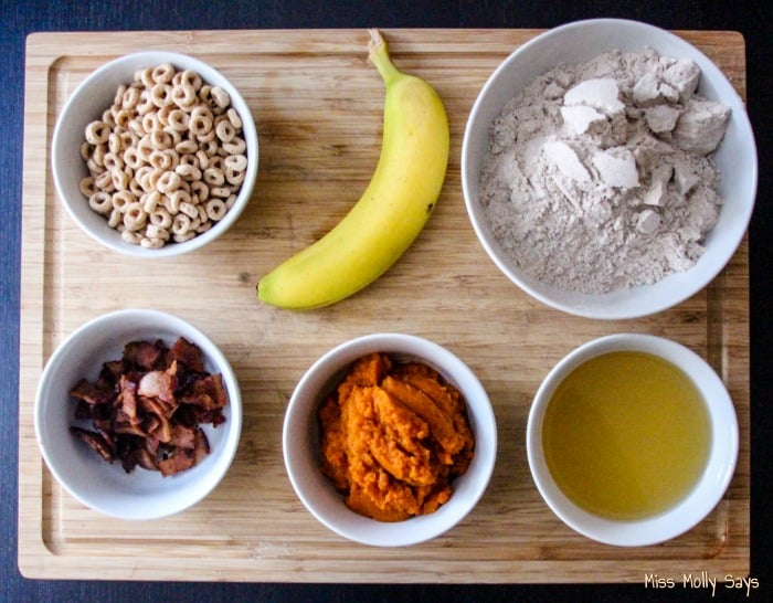 Cheerios, Banana & Bacon Dog Treats Recipe ingredients