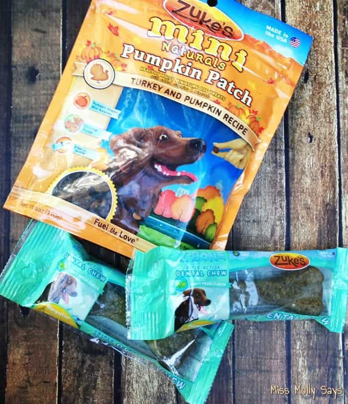 Treat Your Pup with Zuke's Mini Naturals Dog Treats & Z-Bone Dental Chews!