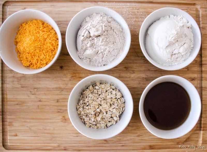 Homemade Cheese & Oats Mini Dog Treats ingredients