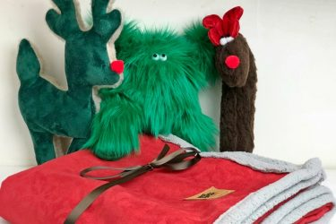 West Paw Holiday Toys and Blankets Make the Perfect Christmas Gifts for Pets!