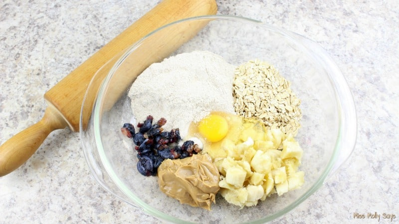 Homemade Blueberry and Banana Dog Biscuits ingredients