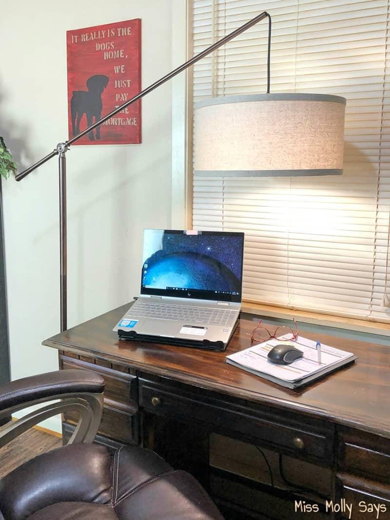 Brightech Hudson Lamp