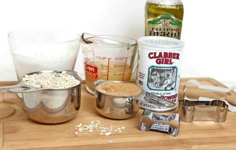 Peanut Butter Applesauce Dog Treats ingredients