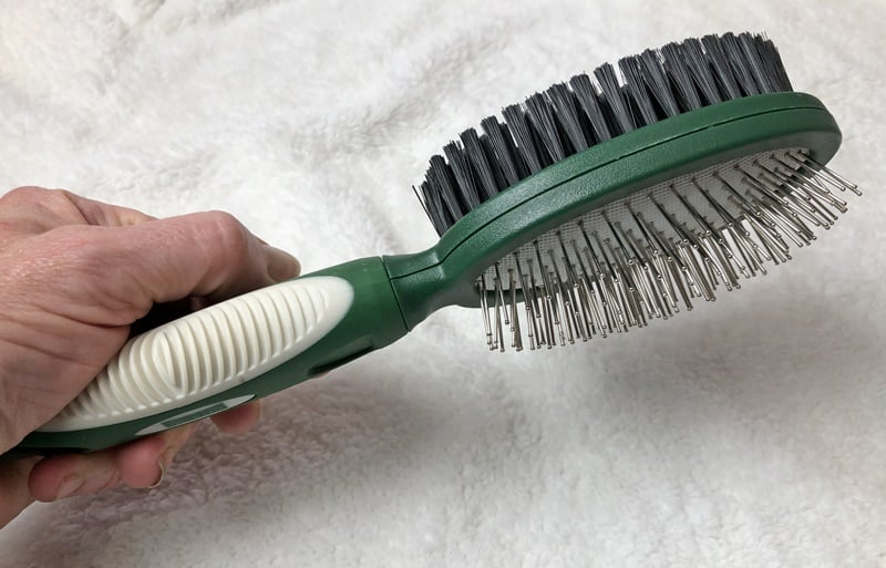 Pin & Bristle Brush for Daily Care