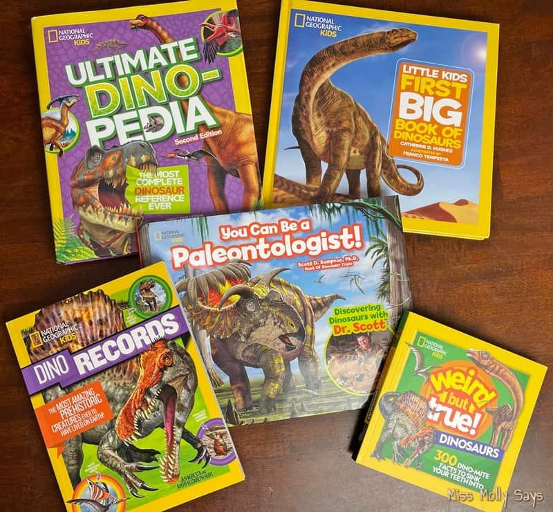 DinoMANIA Prize Pack