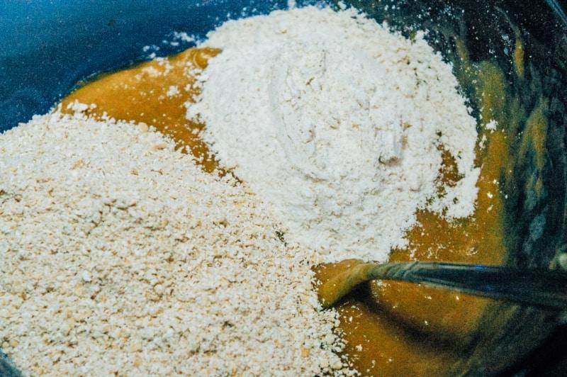 Peanut Butter Banana Pupcakes process